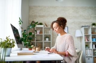 How To Develop Healthier Working Habits With FlexiSpot