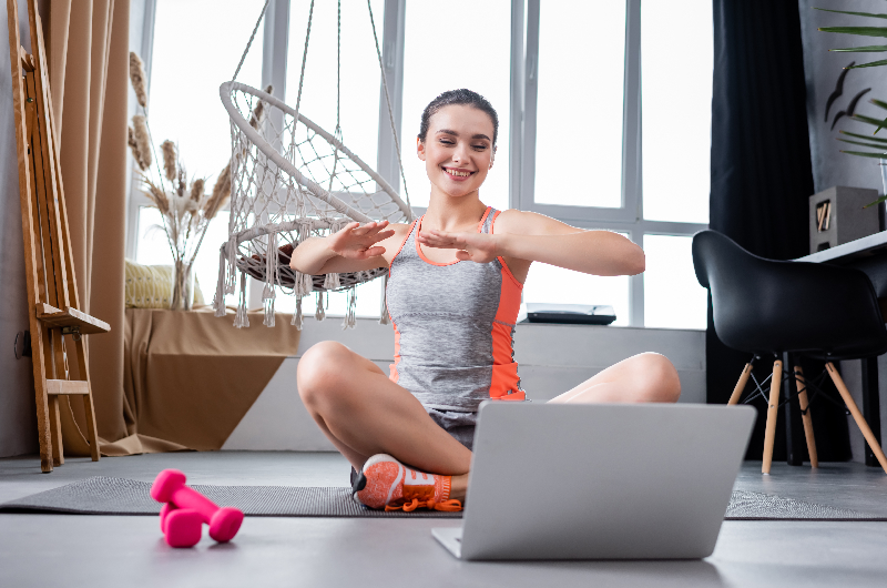 Workout While You Work Your Way Up the Corporate Ladder