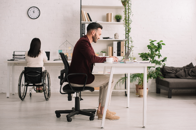What To Get For The Office: A Standing Desk or Ergonomic Office Chair