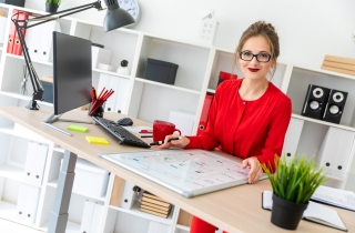Make your time more meaningful and productive with the Adjustable Standing Desk