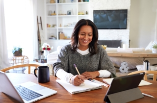 Comfortably Work At Your Desk