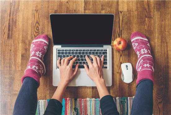 4 Ergonomic Tips for Laptop Users