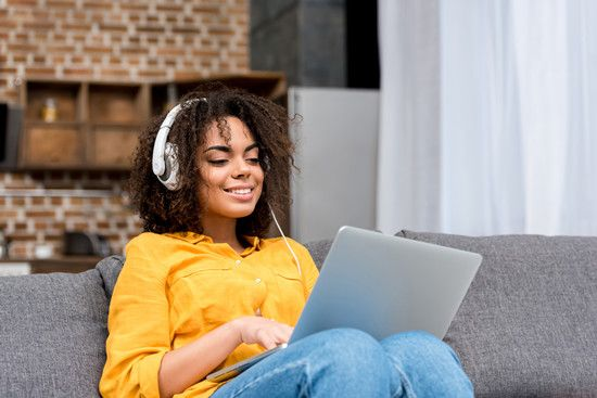 listen music to improve productivity