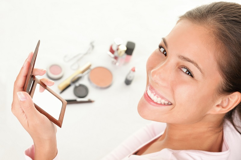 Make Your Makeup Pop With these Tips