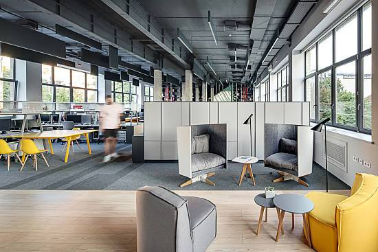 Office layout with a modern design