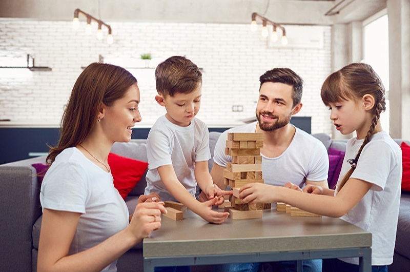 Fun Desk Games To Play With Your Children While You Are On Break