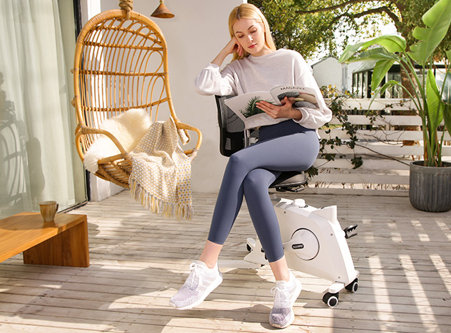 The compact, streamlined body sits on smooth-rolling casters so it is easy to move from room to room and from indoors to outdoors.
